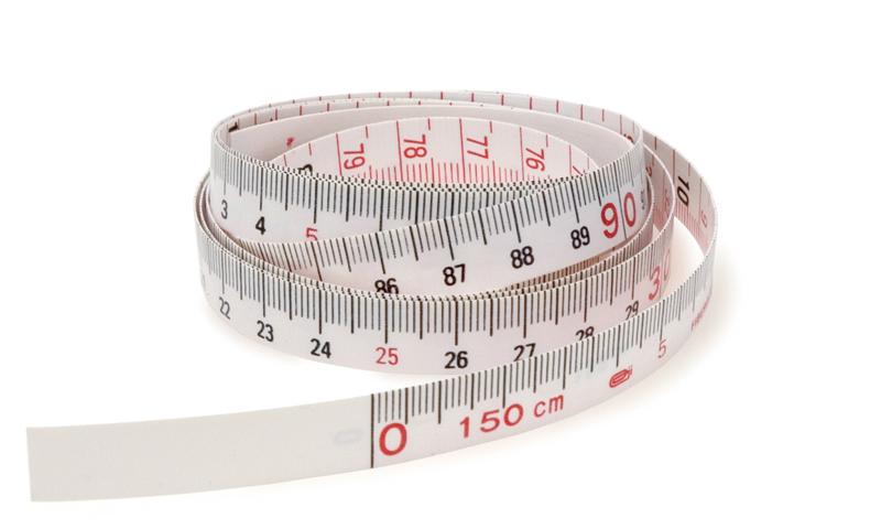 A non-self-retracting tape measure