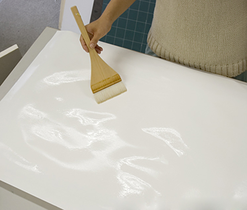 Stretching: Applying water to paper