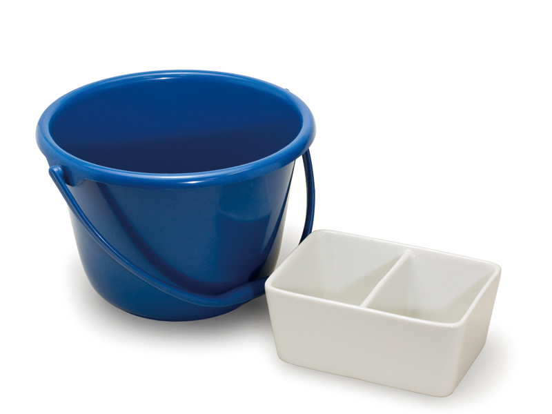 A bucket for home use (L) and a ceramic brush cleaner (R)