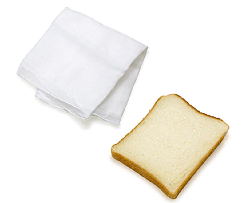 Charcoal drawing erasing tools (bread, cloth)